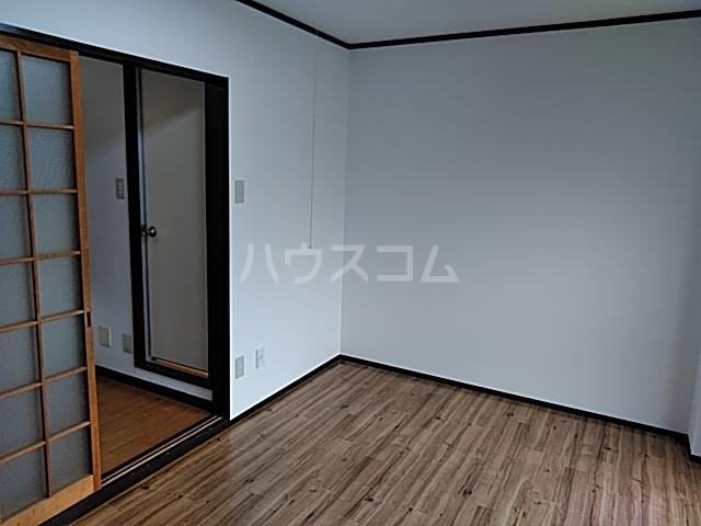 PISODE飯田 205号室のリビング