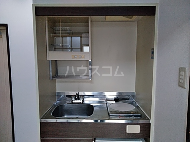 PISODE飯田 205号室のキッチン