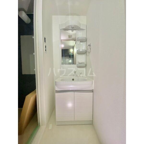 S-RESIDENCE葵II 504号室の洗面所