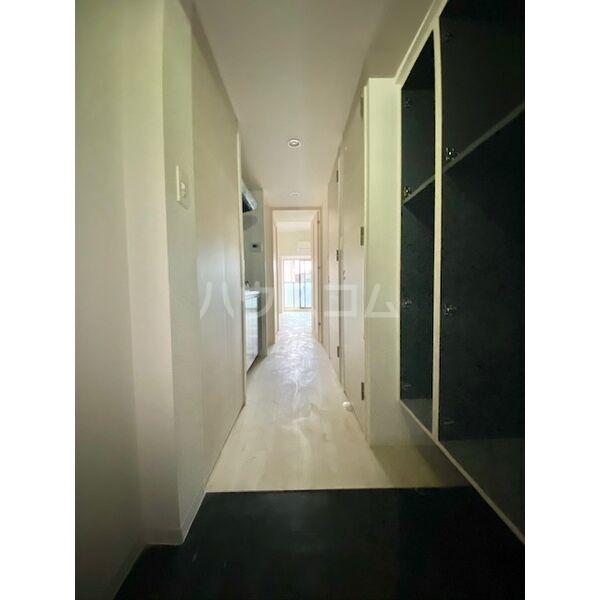 S-RESIDENCE葵II 504号室の玄関