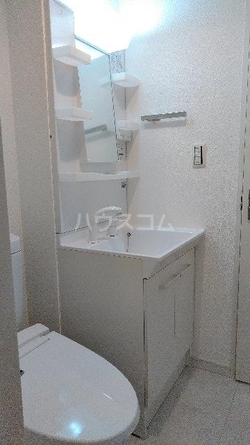 フィラーレ・ヴィラ 103号室の洗面所