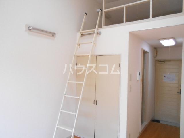 オレンジハイツ 103号室の居室