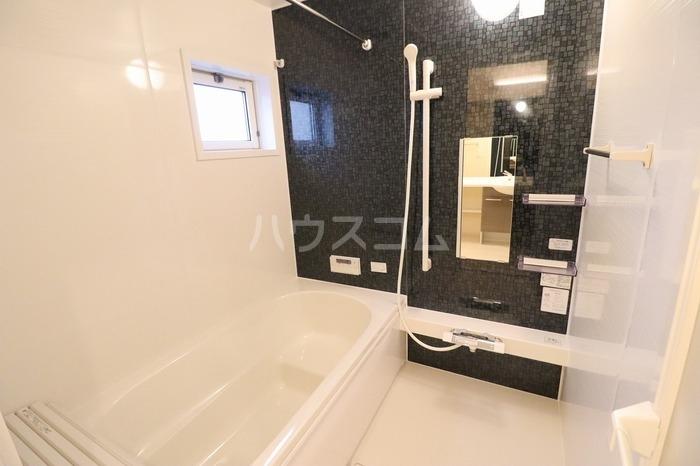 グラン・シャリオ F 102号室の風呂