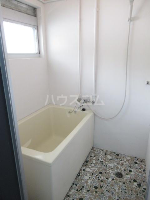 リチェモンテ向ヶ丘A棟 303号室の風呂