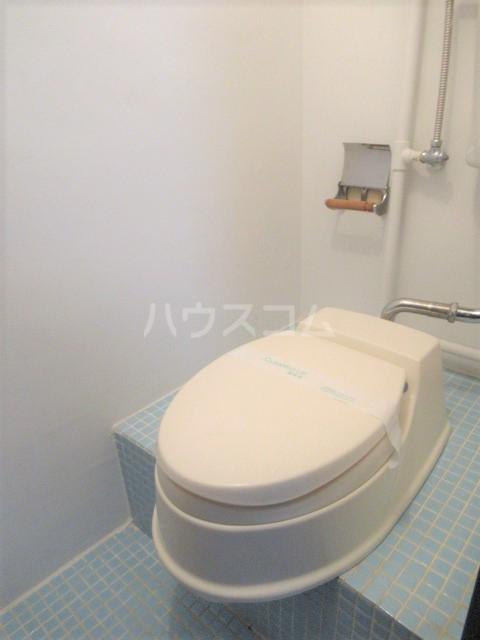 リチェモンテ向ヶ丘A棟 303号室のトイレ