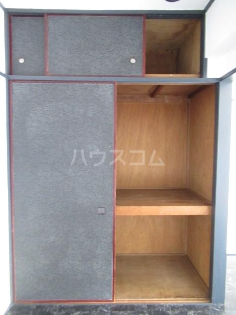 リチェモンテ向ヶ丘A棟 303号室の収納