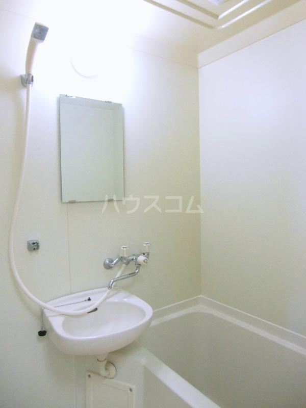シャンブル永野 301号室の風呂
