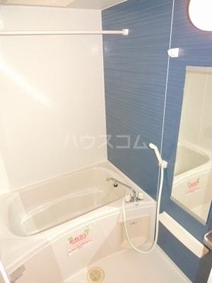 ネオシスB 01030号室の風呂