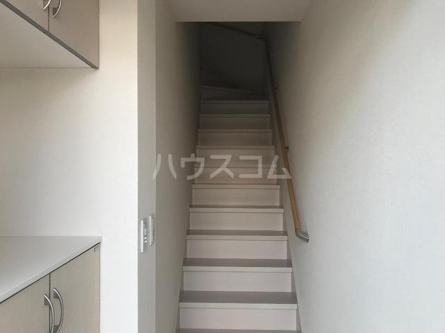 ダフネ 203号室の玄関