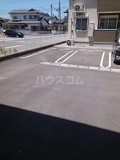 ラベリー・サイル Ⅱ 01030号室の駐車場