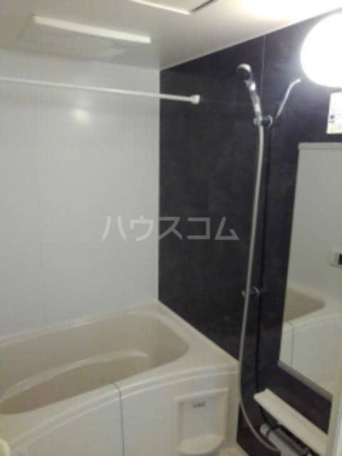 グレイスフル Ⅲ 02010号室の風呂