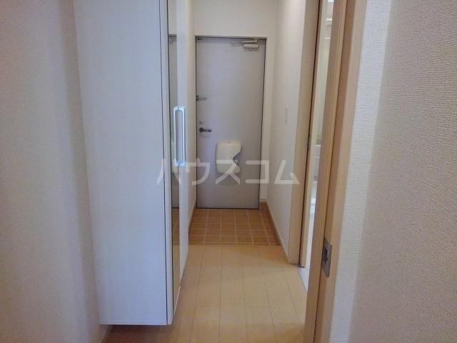 カーサ・パルドⅡ 01030号室の玄関