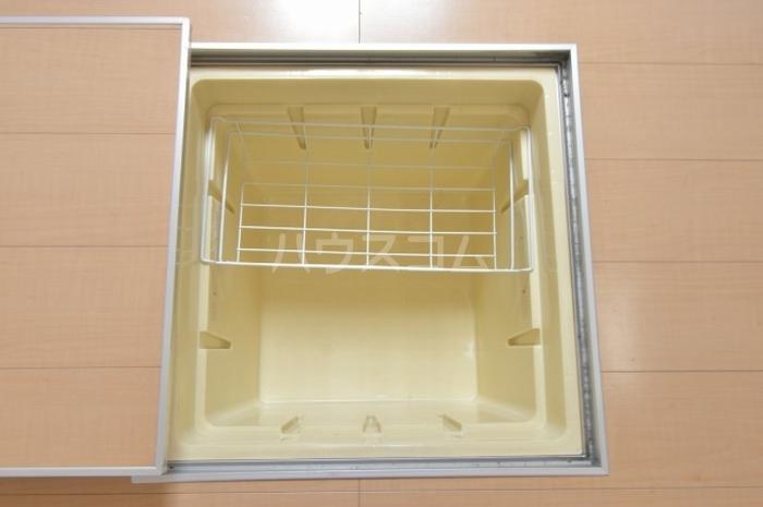 エスペランサB 102号室の収納