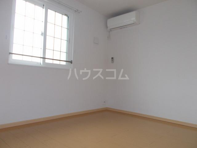 ランドマーク・レーヴB 02020号室の居室