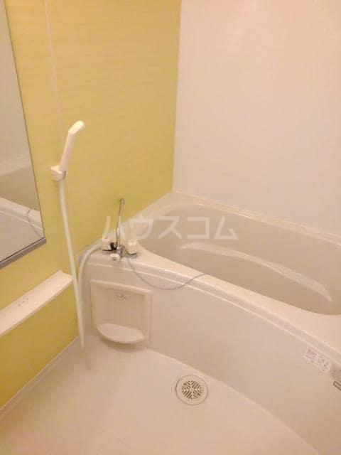 カーサ・ブランドール C 02020号室の風呂