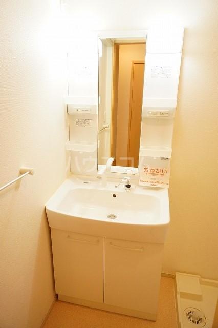 ジェルメⅠ 01020号室の洗面所