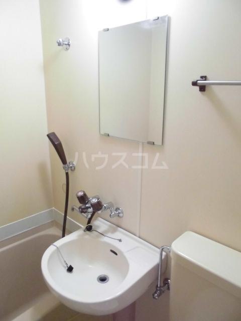 SUN 103号室の洗面所