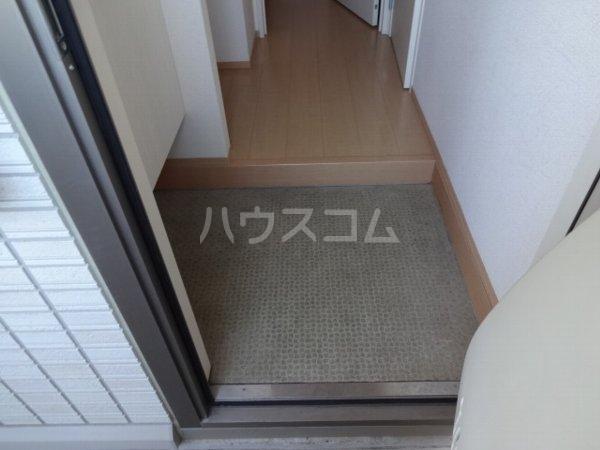 ブランシュールB棟 207号室の玄関