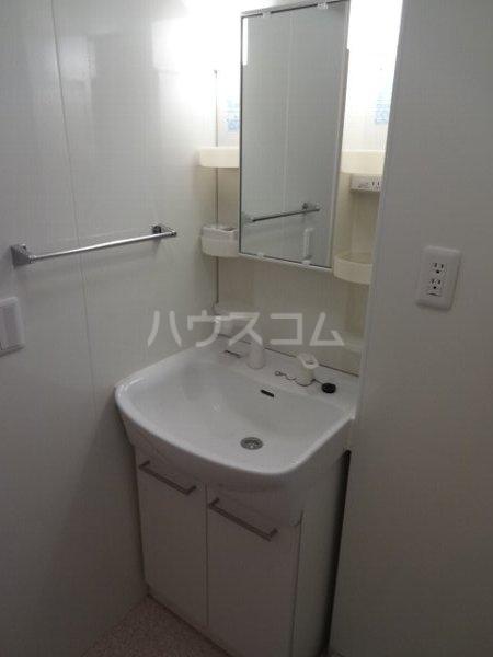 ブランシュールB棟 207号室の洗面所