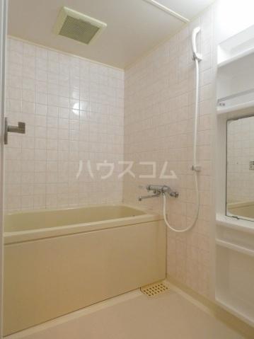 メリディアンガーデン雪月花 206号室の風呂