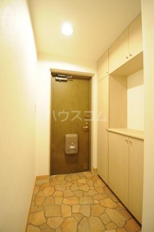メリディアンガーデン雪月花 307号室の玄関