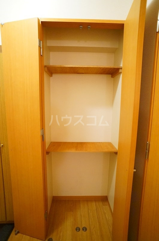 フェニシアン 402号室の収納