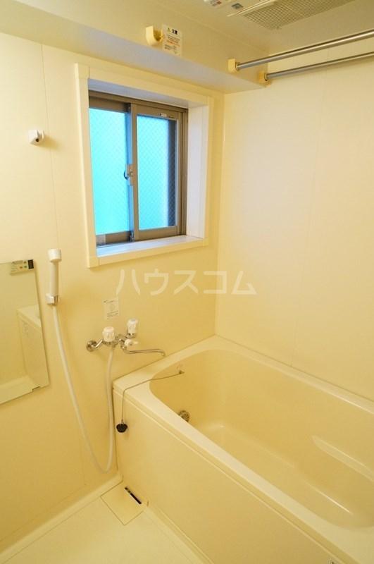 フェニシアン 402号室の風呂