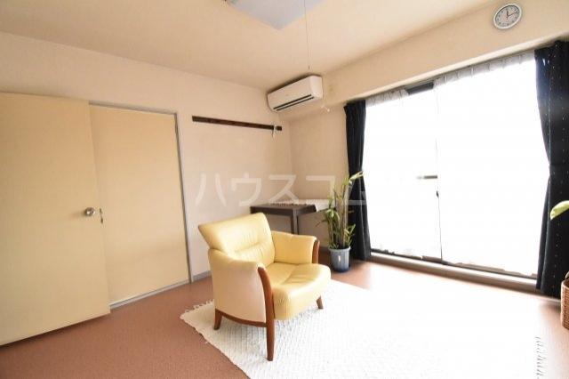 サンブライトマンション 301号室のロビー