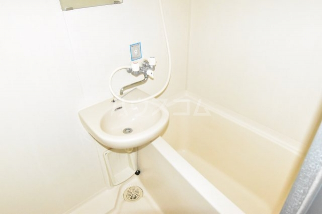 サンブライトマンション 301号室の風呂