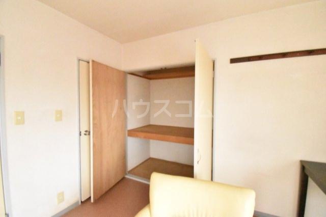 サンブライトマンション 301号室の収納
