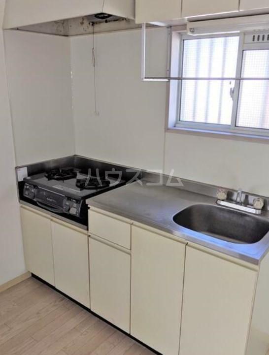 アメニティ・スウィート 202号室のキッチン