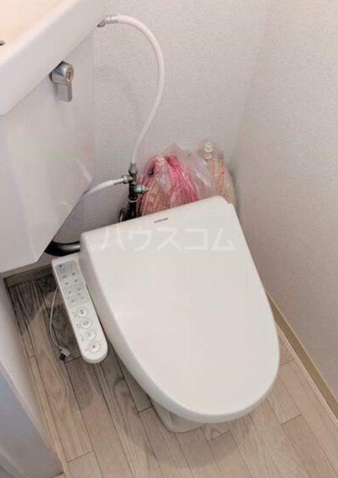 アメニティ・スウィート 202号室のトイレ