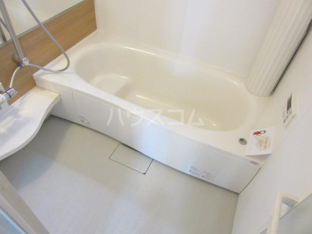 エル・ドラード B 102号室の風呂