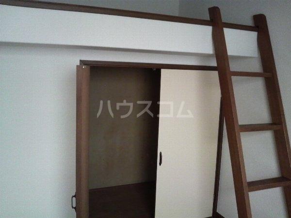トレンディハイツ 102号室のベッドルーム