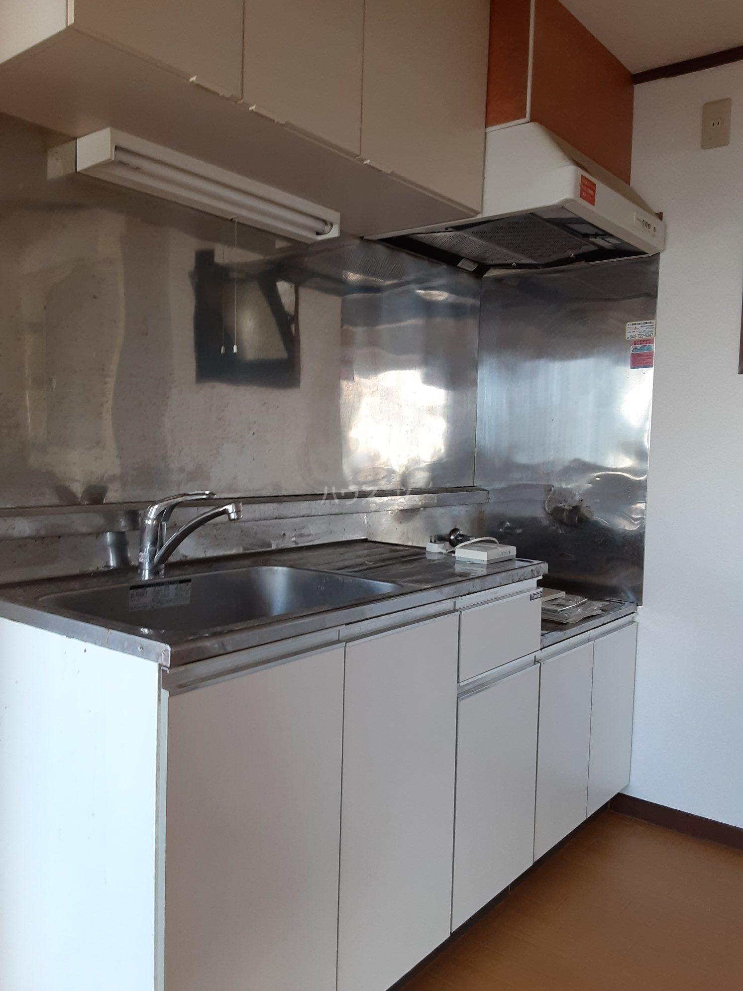 レジデンス中町 202号室のキッチン