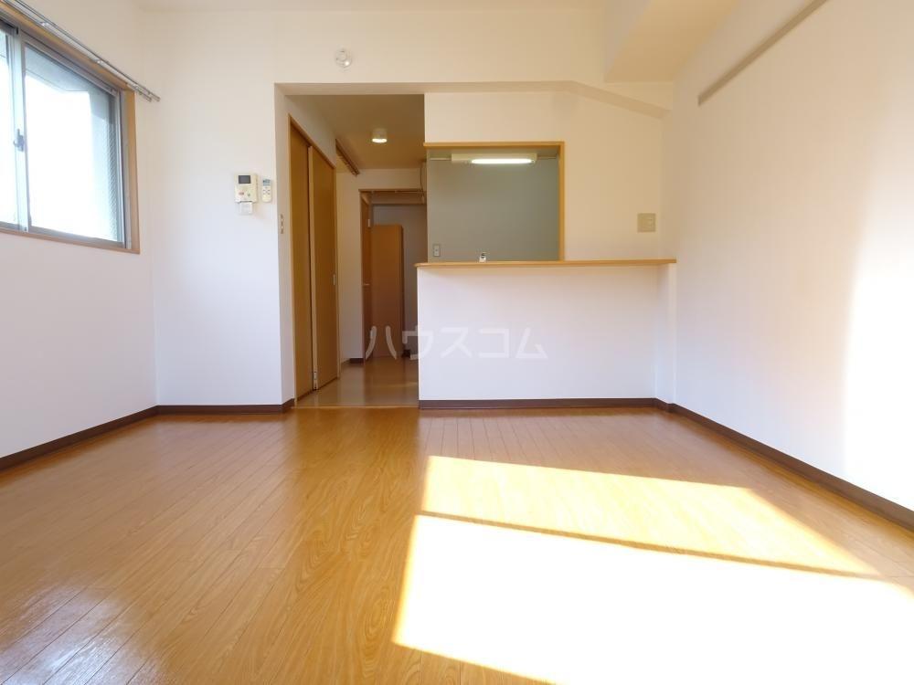 サンライフ鴨江 102号室のベッドルーム