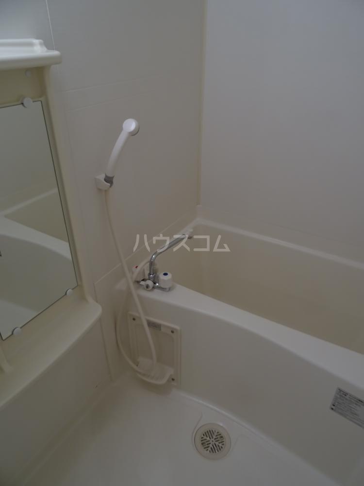 サンライフ鴨江 102号室の風呂