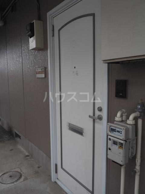 エクセルⅡ 102号室の玄関