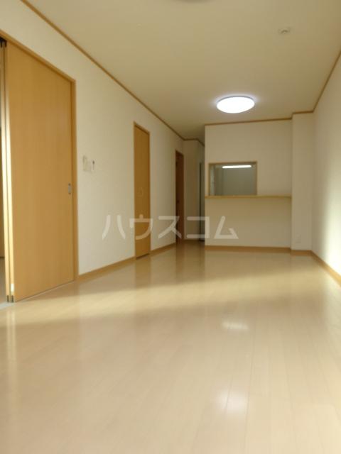 グリアス YB 202号室のリビング