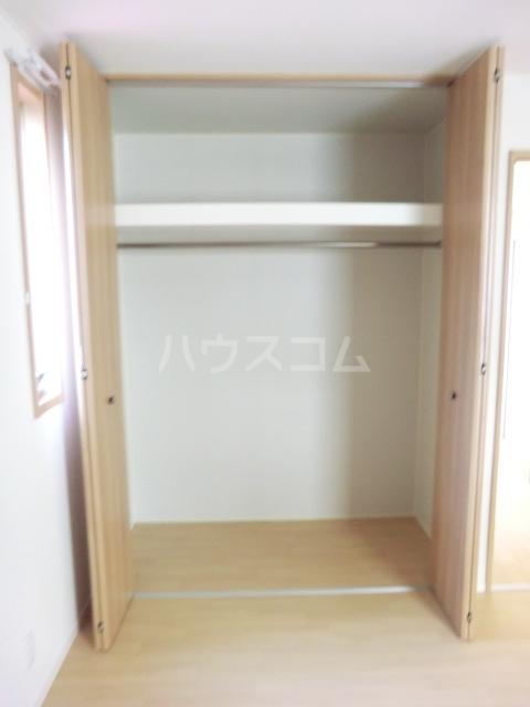 クリークフラワーガーデン片瀬江ノ島 301号室の収納