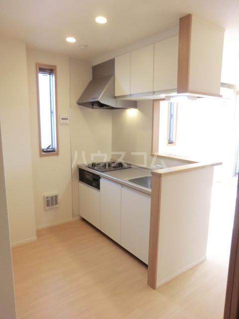 クリークフラワーガーデン片瀬江ノ島 301号室のキッチン