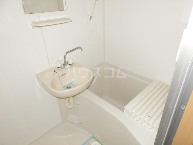 プランドール・K 102号室の風呂