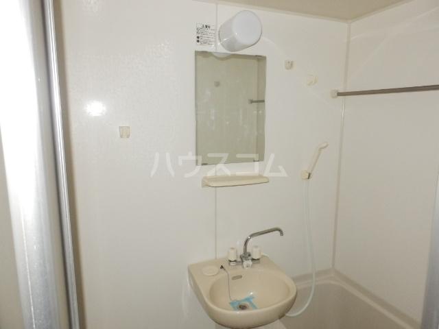 プランドール・K 102号室の洗面所