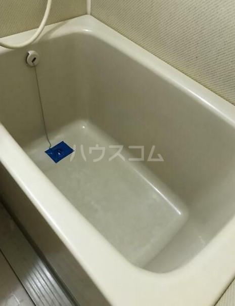 日興パレセゾン新宿 102号室の風呂