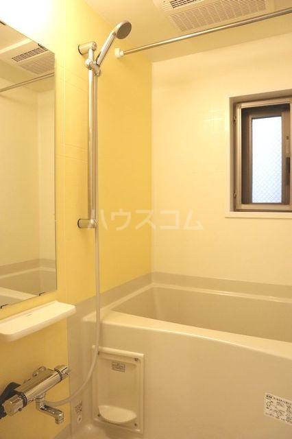 エム 02010号室の風呂