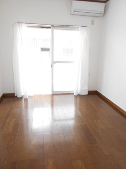 コーポエトランゼⅡ 207号室の居室