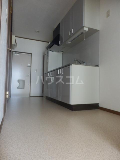 チェリーテラス 2C号室のキッチン