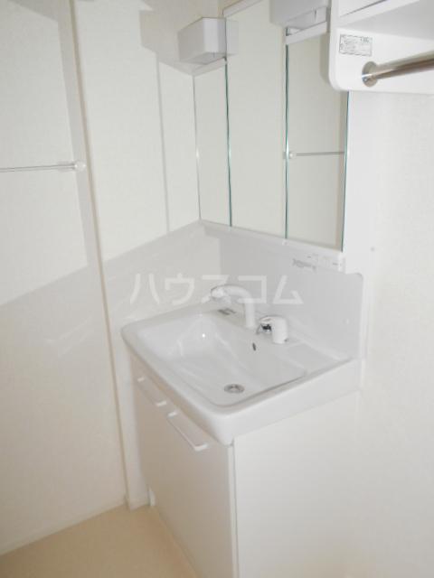 さくらハウス 01030号室の洗面所