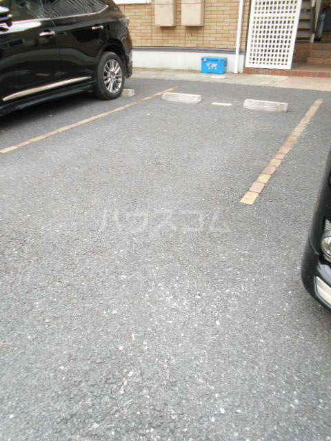 ベルフローラB 102号室の駐車場