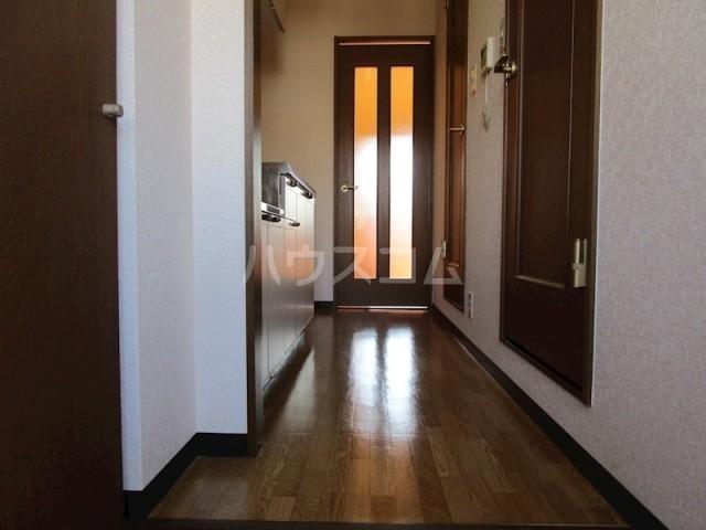 グレイス・ランⅡ 303号室の玄関